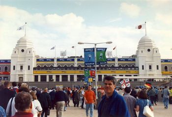 Wembley_Twin_Towers.jpg